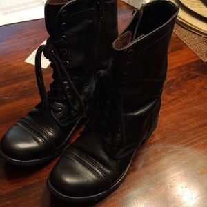 Steve Madden leather boots size 6